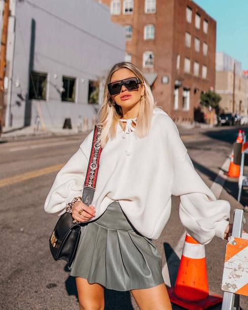 skirt mini skirt pleated skirt hoodie shoulder bag sunglasses earrings