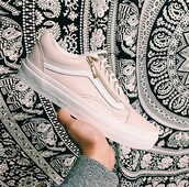 shoes,baby pink,pastel,vans,gold shoes,fashion,cute,low top sneakers