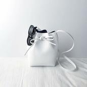 bag,bucket bag,leather,white bag