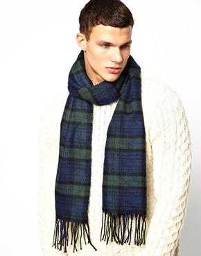 New Look | New Look – Schal mit Schottenkaromuster bei ASOS