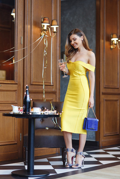 Yellow dresses tumblr