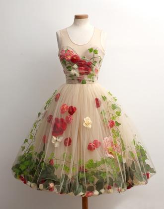 dress flowers green beige red prom graduation sweetheart neckline princess