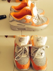 shoes,nike,nike air,air max,nike air max 90,sneakers,shoes addict,sneakers addict,gris,grey,blanc,white,orange,baskets