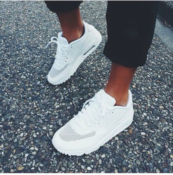 shoes white nike air max nike air air max white nike air 90 max airmaxx nike shoes nike running shoes white sneakers trainers white shoes sporty cool white sneakers white nike air max 90 hyperfuse love i need a couple of these!!