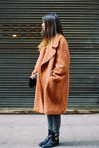 vanessa jackman blogger faux fur jeans carvela camel fluffy coat