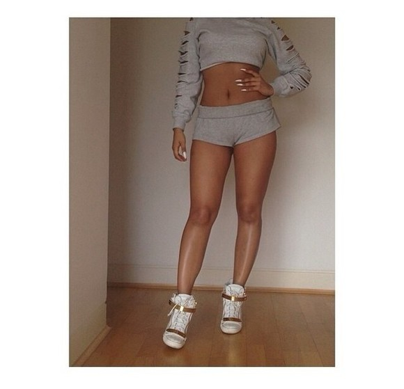 sweater shorts grey set