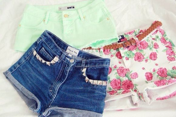 low shorts green pastel color light pink studs gold studs with studs girly vintage high waisted short cut off shorts floral pattern flowers print braided belt brown