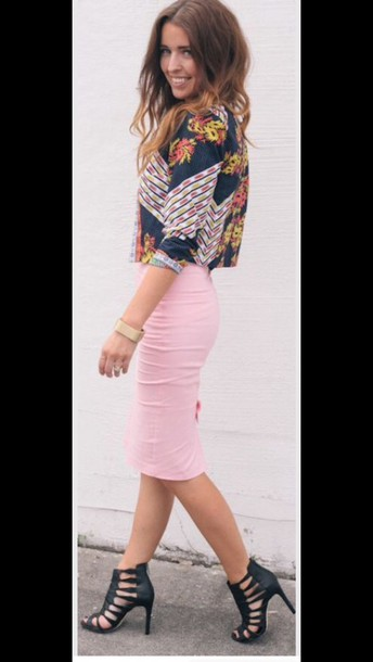 Skirt: pink skirt, pastel skirt, pencil skirt, tight, midi skirt ...