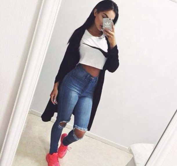 f1ac9dbcf67900 jeans high waisted jeans ripped jeans pants blue distressed high waisted  jeans cute shirt nike shoes