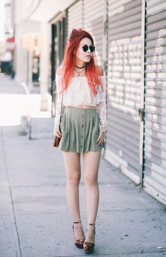 le happy blogger peasant top skater skirt button up skirt mini skirt white crop tops