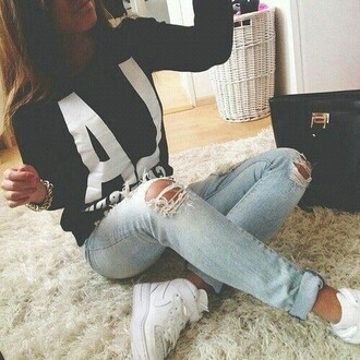 jeans sweater sweatshirt los angeles black white ripped jeans blue tights