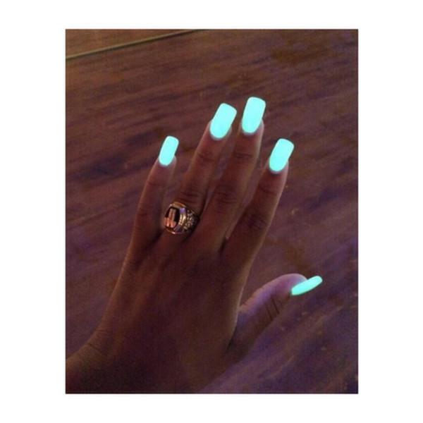 nail polish blue yellowi