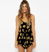 jumpsuit,sunflower,girly,romper,daisy rompers,daisy,summer,summer romper,dress,vintage,quote on it,style,boho,grunge,indie,sexy,tumblr,girl,alternative,flowers,amazing,blonde hair,blogger,brows,comfy,hipster,fashion,black,hair,cool,sunglasses,flower patern,hippie,jewels,black and yellow,from rose gal