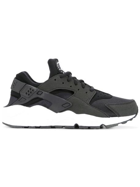 Nike women soft sneakers black shoes
