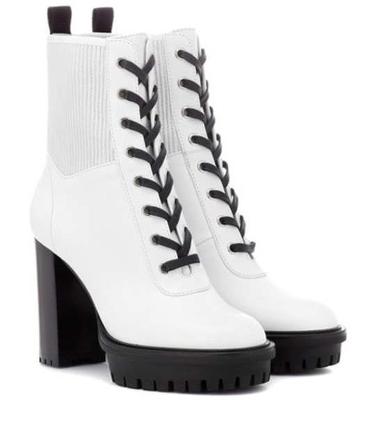 Gianvito Rossi Martis 70 leather ankle boots in white