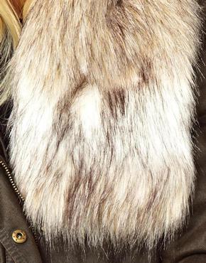 ASOS   ASOS Faux Fur Short Collar at ASOS