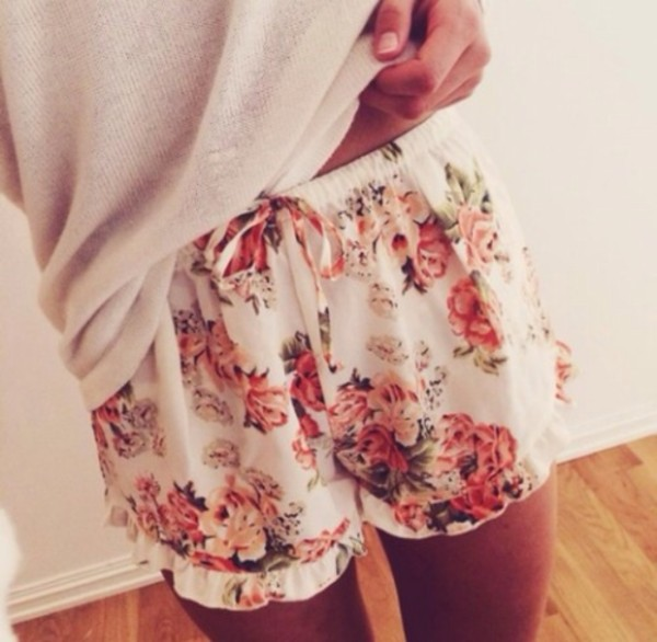pants pajamas shorts white/cream floral flowered shorts girly pajamas cream