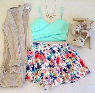 jacket floral skirt crop tops turquoise cardigan knitted cardigan gold necklace vintage shoes tank top shirt shorts blue flowers dress summer dress flowered shorts high heels necklace