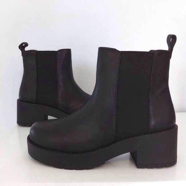 shoes black boots tumblr cute style fashion booties black boots heels ankle boots