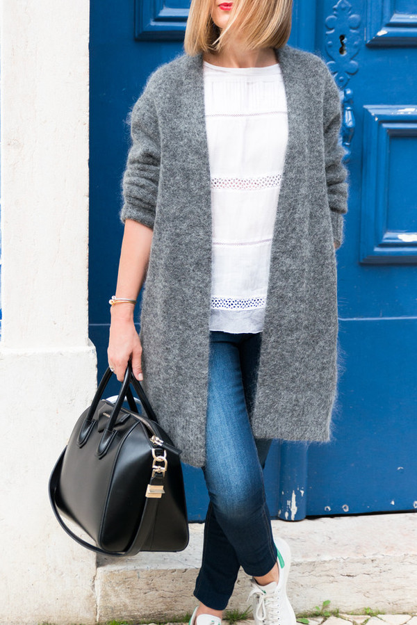 the working girl blogger cardigan blouse jeans bag jewels