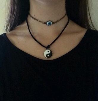 jewels eye necklace
