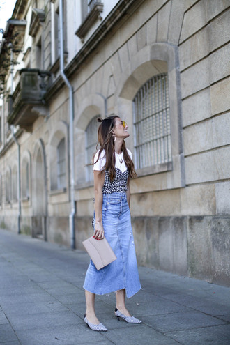 b a r t a b a c blogger top skirt bag shoes sunglasses midi skirt denim skirt clutch mid heel pumps spring outfits white tsh corset corset top tumblr blue skirt denim slingbacks mid heel sandals pointed toe pumps nude bag t-shirt yellow sunglasses kitten heels