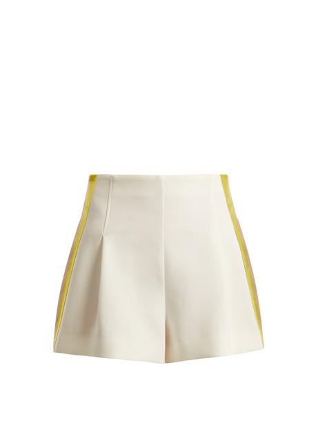 shorts high white