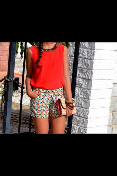 pattern colorful patterns shorts red clutch red shirt bracelets set bracelets patterned patterned shorts green