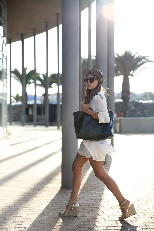 style heroine blouse shorts shoes bag sunglasses