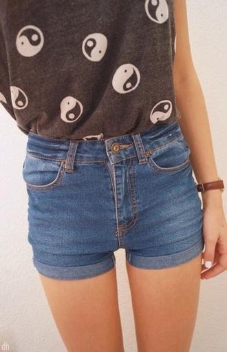 denim shorts tumblr white shirt top t-shirt black dope tumblr girl nice cool girly yang yin yin yang peace grunge tumblr shorts tumblr top soft grunge