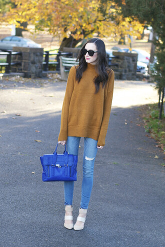 blogger the glam files sunglasses satchel bag ripped jeans mustard