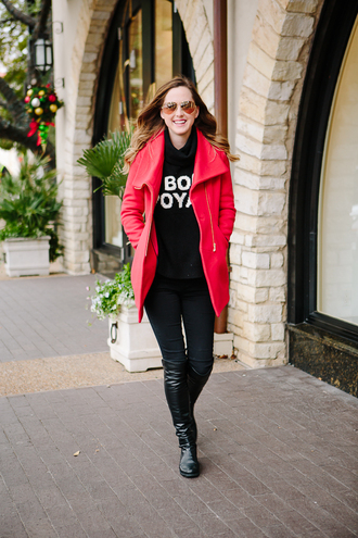 side smile style blogger coat red coat knee high boots