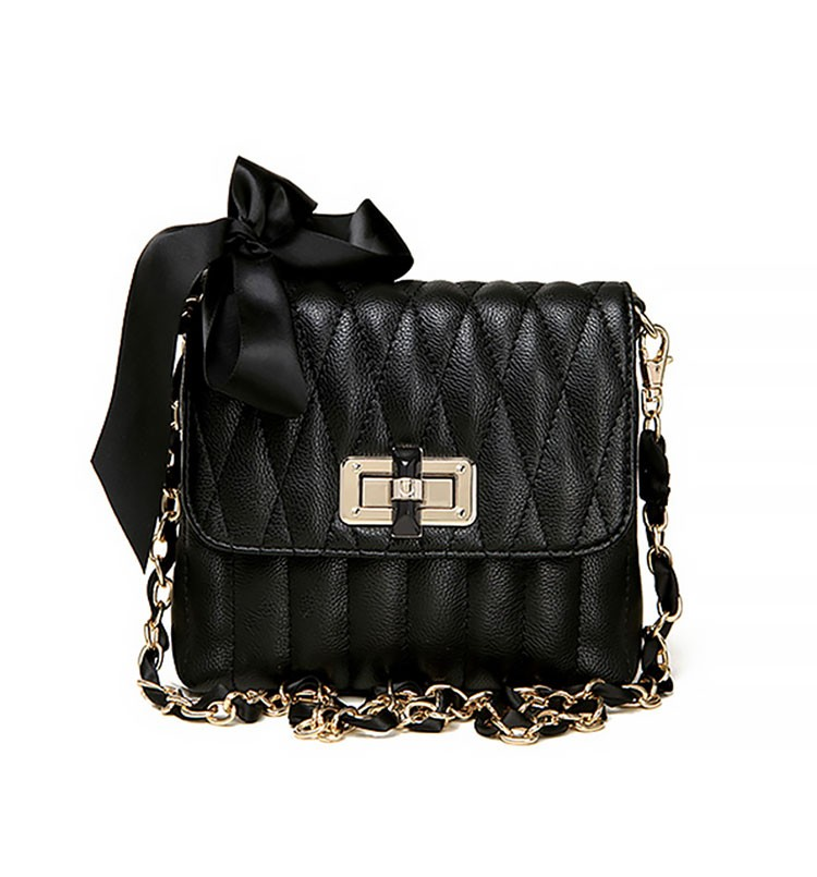 Quilted Shoulder Bag With Bow Detail