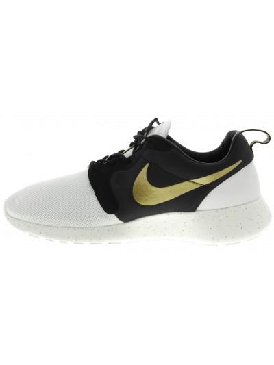 Nike rosherun hyp premium in ivory/metallic gold