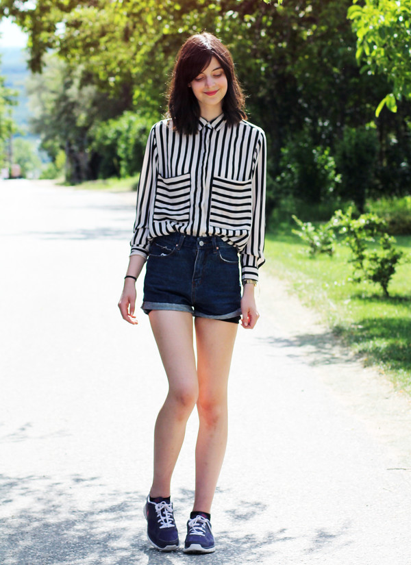 mes memos shorts shirt shoes
