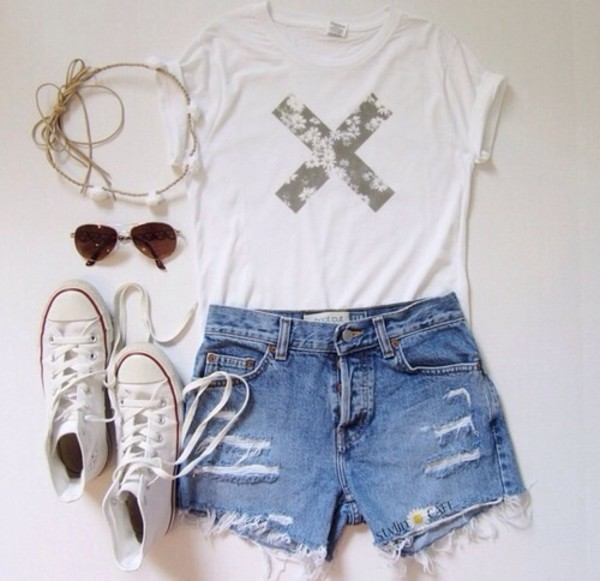 shirt flowers blouse 'x' t-shirt white sjorts shorts top converse white t-shirt jeans the xx hippie sunglasses hipster tumblr floral t-shirt hair accessory