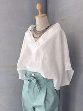 top,white shirt,white,white flowy shirt,artist.,flowy,boho,boho chic,blouse,white top,tucked in,loose,loose tshirt