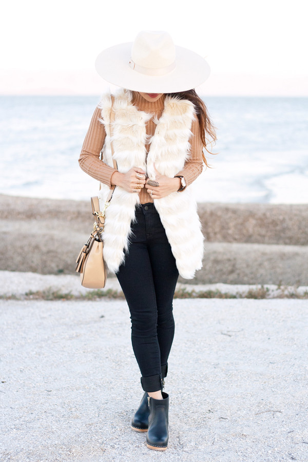 it's not her it's me blogger bag jewels fur hat turtleneck fall outfits white fur vest
