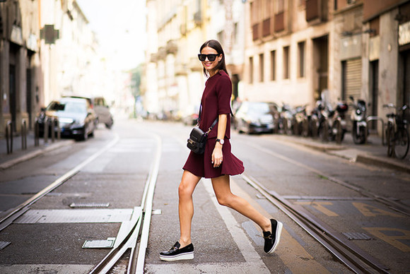 fashion vibe blogger sunglasses bag top