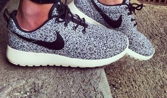 shoes women nike flyknit nikes black speckles grey and white fly just do it