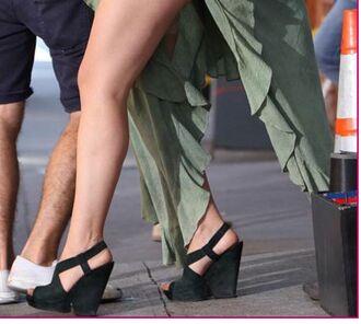 shoes heels wedges black wedges black heels strappy wedges girl girls season 3 jemima kirke jessa girls black black strappy wedges peep toe wedges peep-toe wedges peep toe heels jessa girls hbo jessa johansson