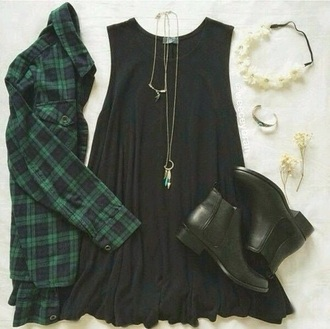 blouse dress jewels hair accessory shoes