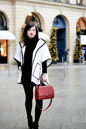 meet me in paree blogger black and white red bag