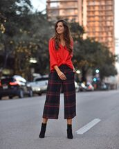 pants,checkered pants,cropped pants,wide-leg pants,high waisted pants,ankle boots,black boots,sweater,earrings