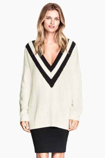 sweater v neck white and black