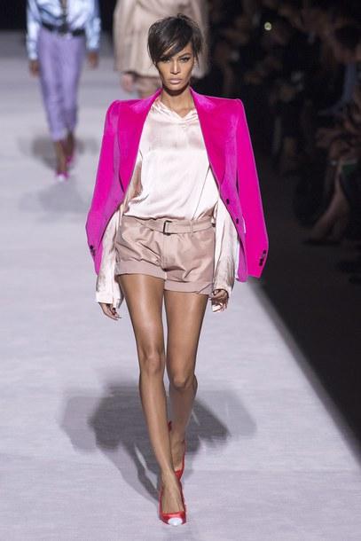 jacket top shorts joan smalls model pumps runway tom ford fashion week nyfw 2017 ny fashion week 2017 blouse pink blazer