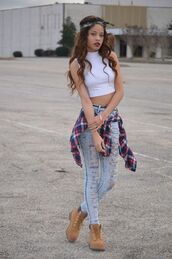 shoes,white crop tops,ripped jeans,checkered red and blue shirt,timberland,blogger