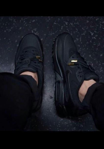 shoes tripple black air max