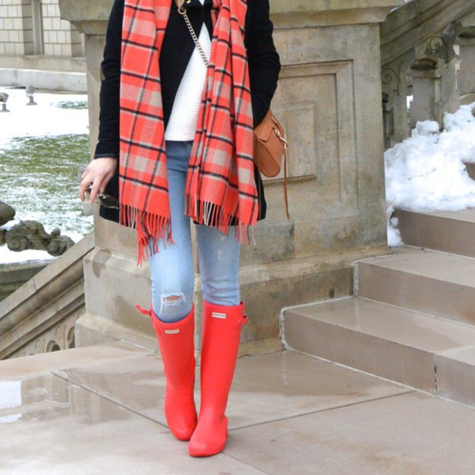red scarf jeans shoes sweater coat bag blogger wellies blanket scarf lilly's style scarf red