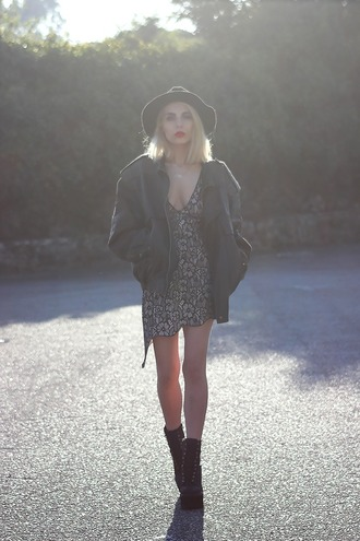 the black effect blogger lace dress oversized platform shoes grunge shoes